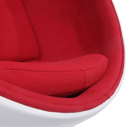 Ball Chair mit rotem Polster